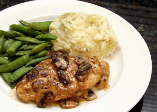 """Make This Top Rated Classic Chicken Marsala: <a href=""""http://southernfood.about.com/od/photos-poultry/ss/Recipe-And-Photo-Chicken-Marsala.htm"""">Chicken Marsala</a>"""