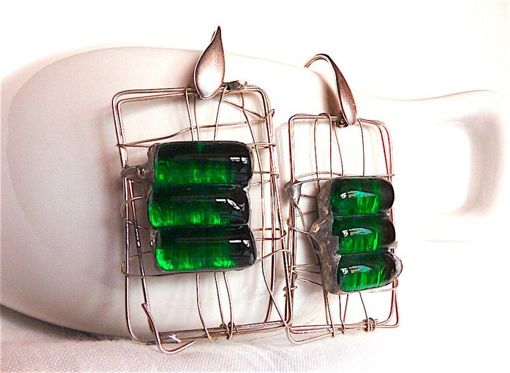 Green glass earrings,fusedglass,tiffany,artisan glass earrings,artisan jewelry,green,silver earrings,silver jewelry,handcrafted,modern jewel by Dartisanglass on Etsy