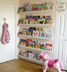 Verwenden Sie den leeren Raum hinter Ihren Türen für Bücher