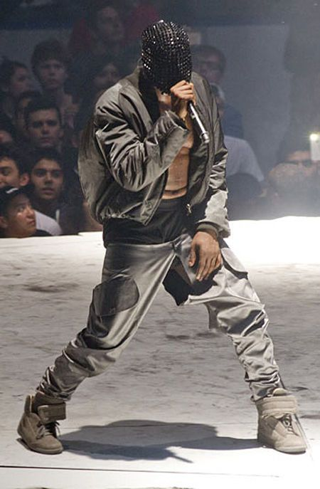 kanye-west-tour-outfits-and-masks-by-margiela-03