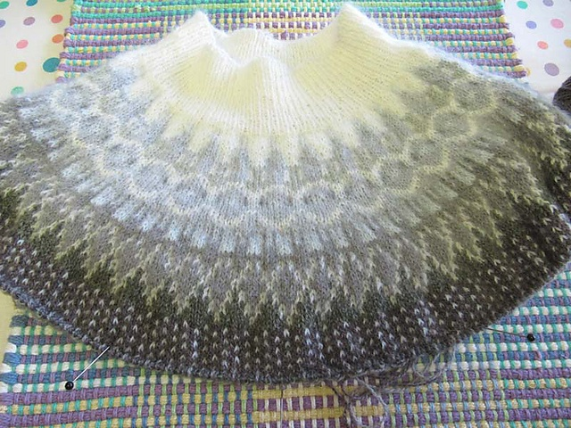 Bohus sweater. I'm anxious to finish this sweater as there are more beautiful Bohus sweaters that I'd like to make.