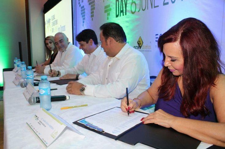 Cultur y Amprofec firman convenio para uso gratuito del Centro de Convenciones Siglo XXI