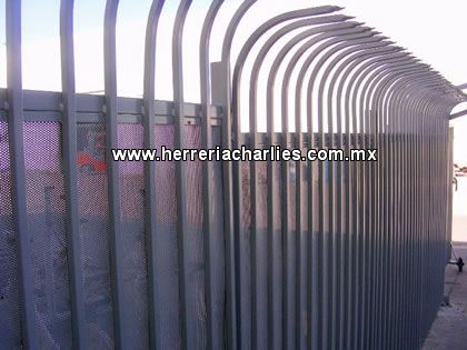 25 best ideas about rejas para puertas on pinterest - Puertas de metal para casas ...