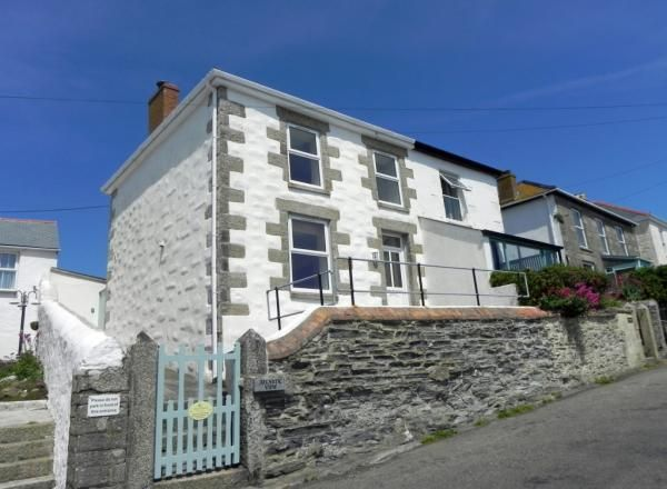 Atlantic View- Superbly Refurbished Sea View Cottage In Porthleven
