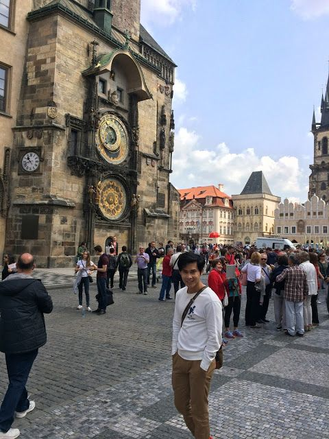 #Perjalanan #wisata #traveling #Prague #CzechRepublic #OldTownSquare  #AstronomicalClock