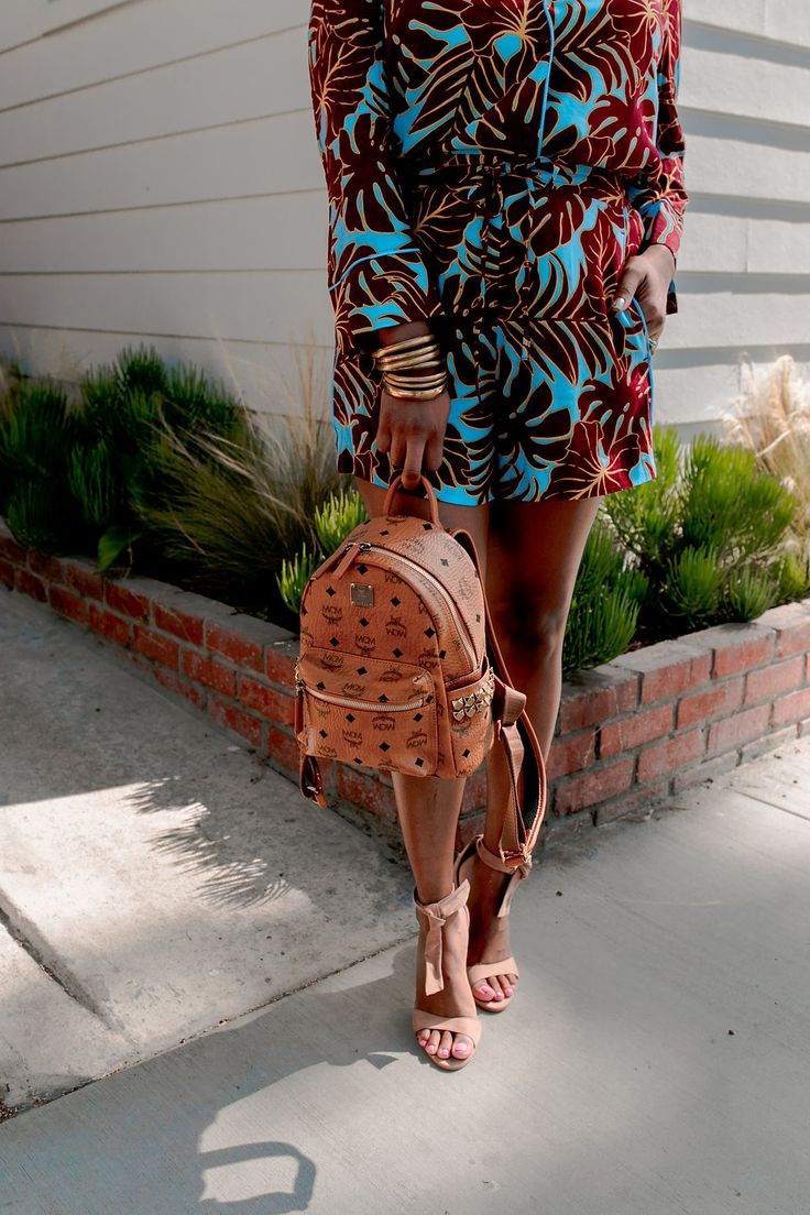 Close Ups - shorts + shirt - H&M // mini backpack - MCM // Shoes - Steve Madden // Accessories - Forever 21 #TheHautemommie