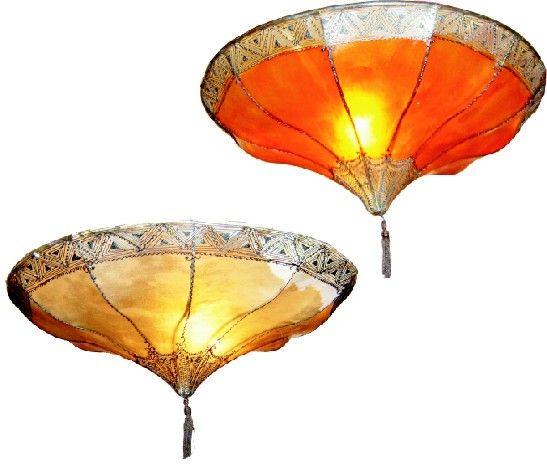 Henna-Lampen werden traditionell in Arabien in Marrakkesch handgefertigt. Es gibt sie in weiß, gelb, orange, rot. Zu mehreren an die Decke gehängt wirken sie sehr besonders.