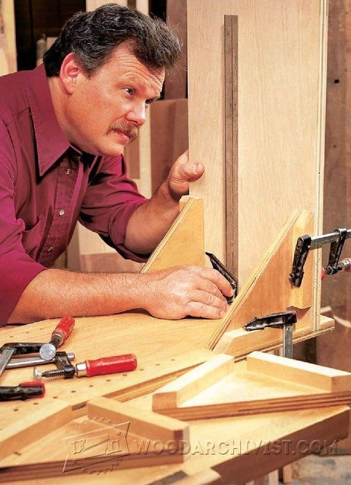 Clamping Square Assembly Jig - Furniture Assembly Tips and Techniques | WoodArchivist.com