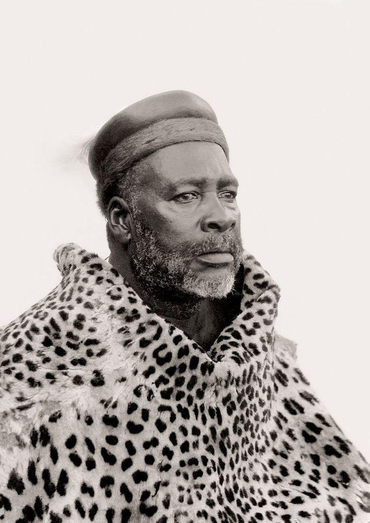 Africa | Chief Muhlaba, Thabina, Limpopo. South Africa.  Early 1900s | ©Alfred Duggan-Cronin / McGregor Museum