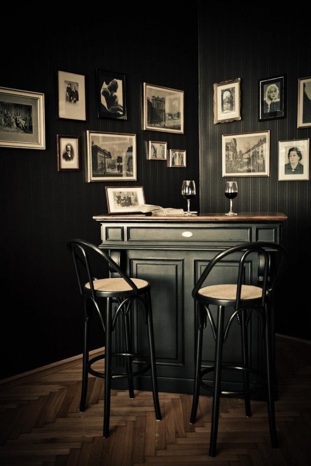 My kinda bar fot two... ;)