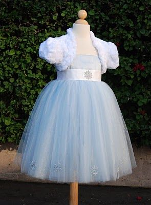 snowflake flower girl dress for my winter wonderland wedding!!!  Bri would look so cute in this.