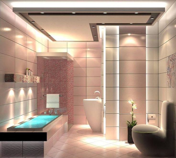 Bagno in stile moderno con vasca, doccia e rivestimenti da parete