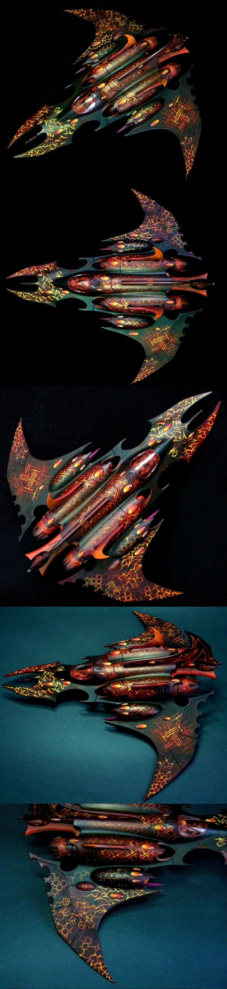 AMAZING painting work on #warhammer 40k - The Reflection of Darkness, Dark Eldar Razorwing by Hors