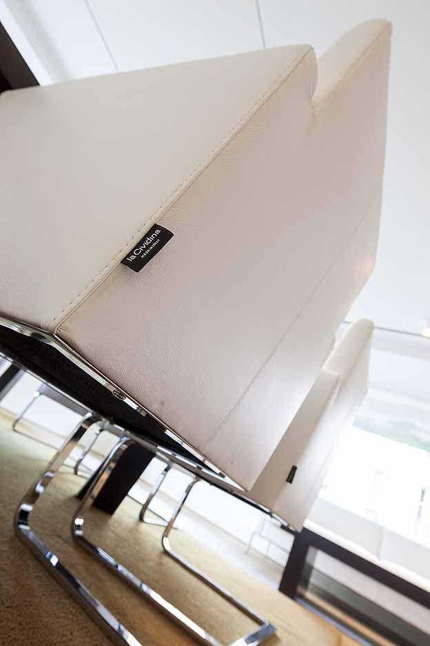 Espacio Aretha ha colaborado con UNEN en el equipamiento de las salas de clientes de la nueva sede de un banco privado suizo en Madrid.