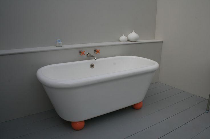 #rockwellbath #orangefeet