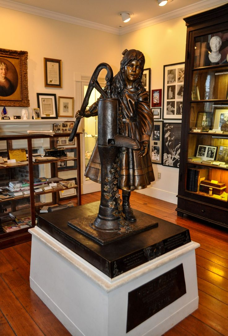 Helen keller statue in the museum tuscumbia alabama