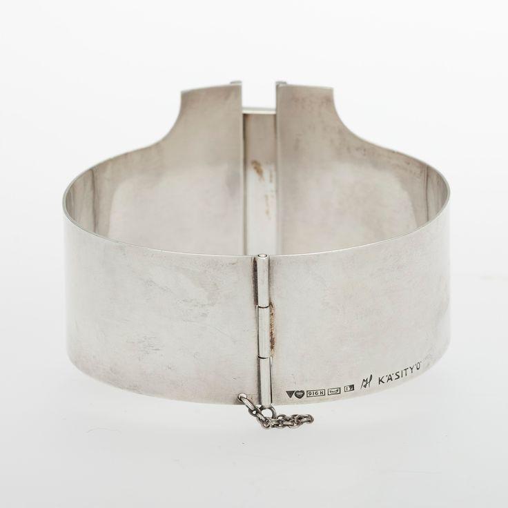 Mauno Honkanen Född 1931 ARMRING, silver, snökvarts, Mauno Honkanen, Tillander 1962.
