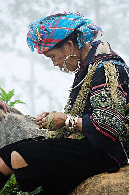 Hmong Woman weaving hemp in Sapa Vietnam. By aroundtheisland on Etsy