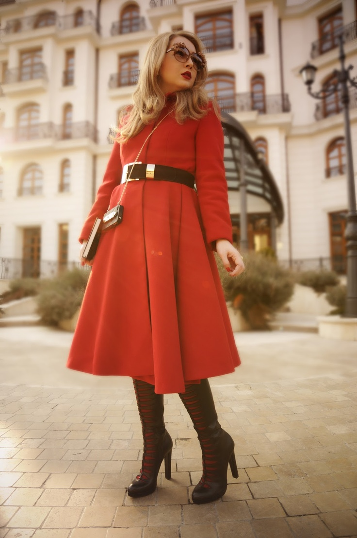 The very darling Fashezine paid us a glamorous visit. We just love her red outfit and amazing sunglasses! #fashion #red   at Epoque Hotel Bucharest