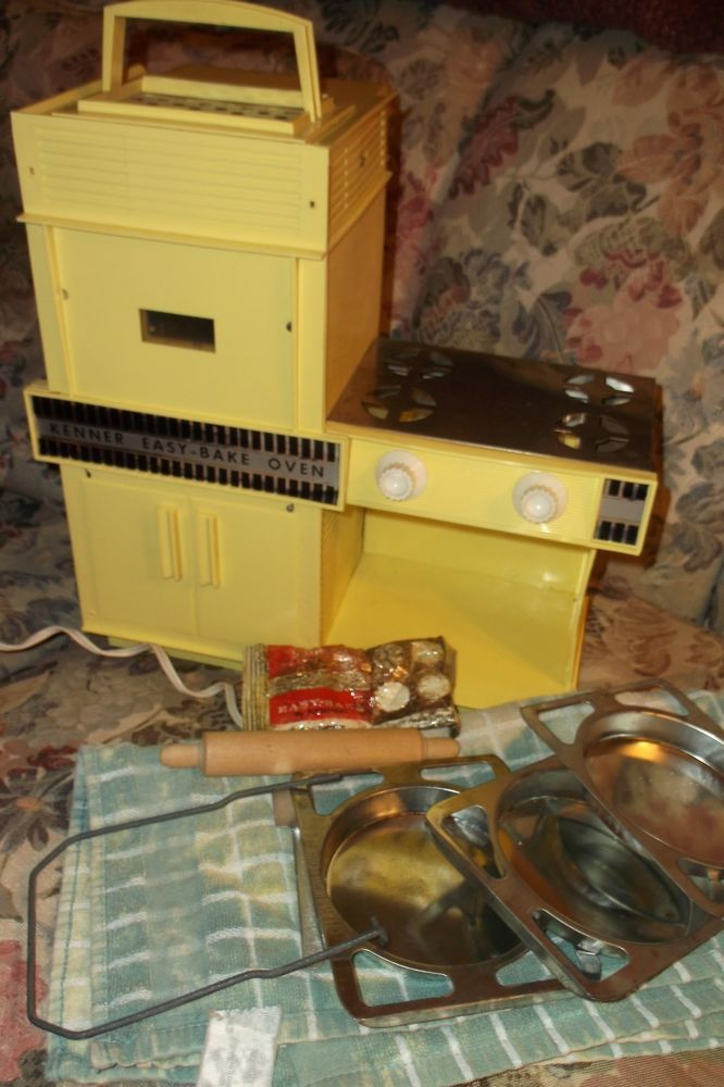 1964 Vintage Kenner's Easy-Bake Oven - Some Accessories: rolling pin,spatula etc #Kenner