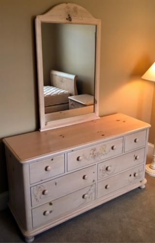 1000 images about vaughan farmhouse on pinterest solid pine clawfoot tubs and pine dresser for Thomasville white bedroom furniture