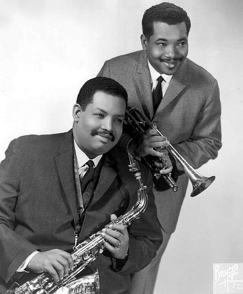 """Brothers and Jazz musicians Julian """"Cannonball"""" Adderley (sax) and Nat Adderley (cornet). 1966"""