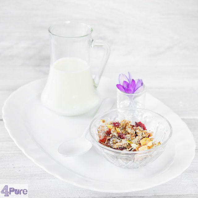 Detox muesli a perfect healthy brunch and breakfast recipe.