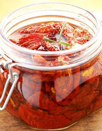 tomate confite. Des recettes de conserves pour les légumes et fruits de votre potager et de votre verger : lacto-fermentation, stérilisation, sel, sucre, huile, vinaigre