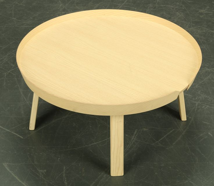 Thomas Bentzen designed coffee table in oak for Muuto in Denmark. H. 36 cm. Ø 72 cm