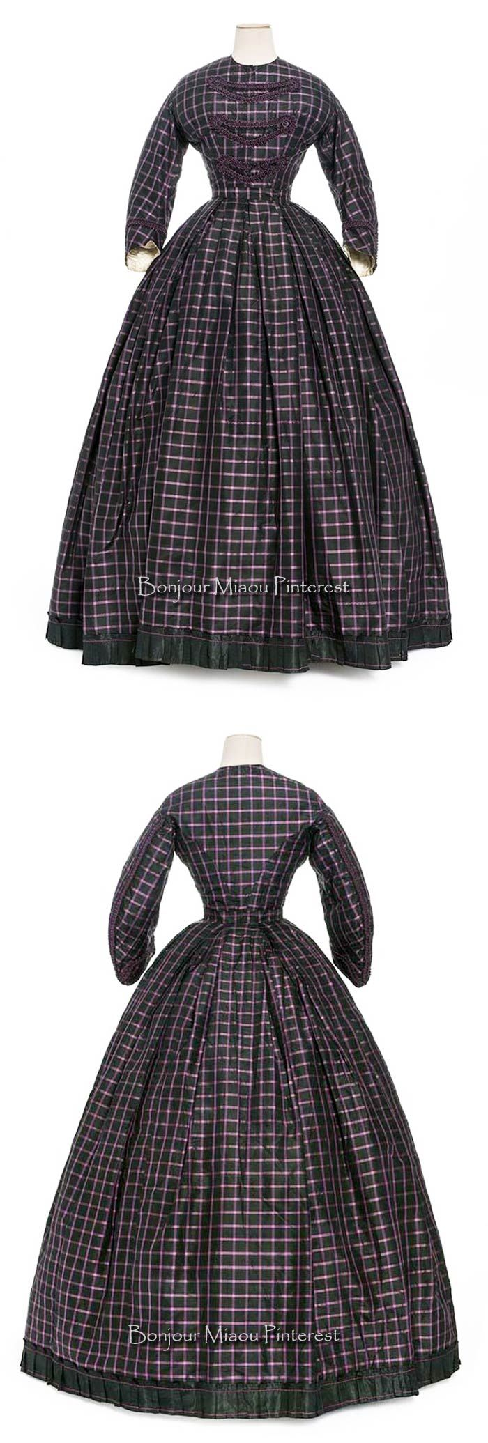 Day dress ca. 1860–65. Silk faille. Les Arts Décoratifs