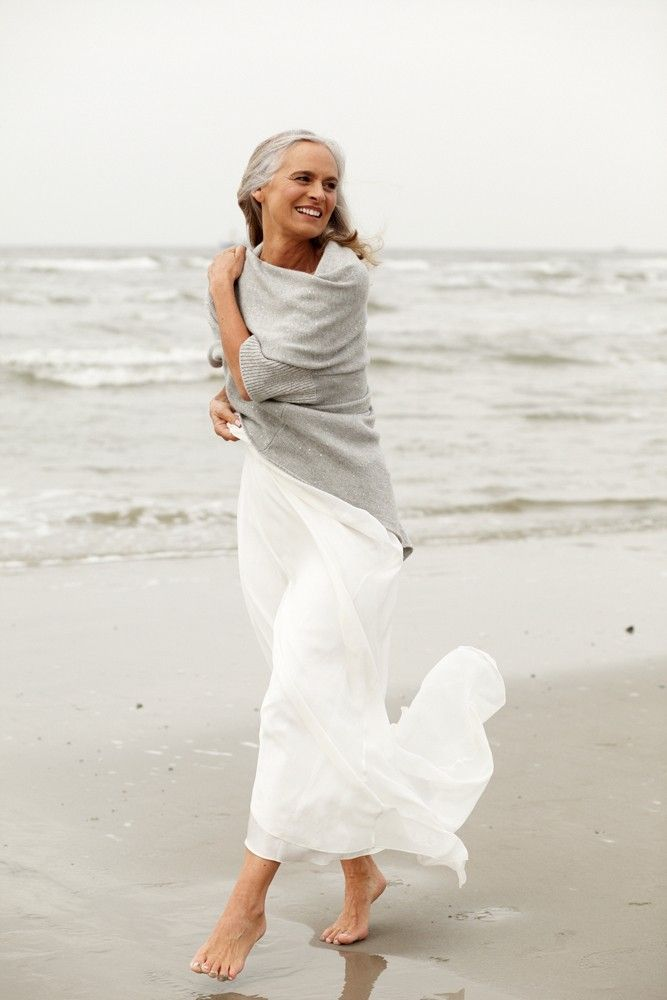 This is a wonderful look for us older women..love it! Women take off at 50 and 60 is the new 40 !!                                                                                                                                                                                 More
