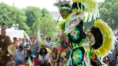 Smithsonian website about folklife. Focuses on the music and arts of different cultures. Offers many lesson plans for free download in PDF format, along with other resources.
