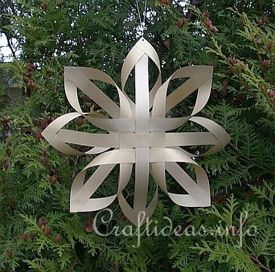 Craft ideas for Christmas - Learn how to craft Finnish Paper Stars.   Can use fabric with heat and bond interfacing