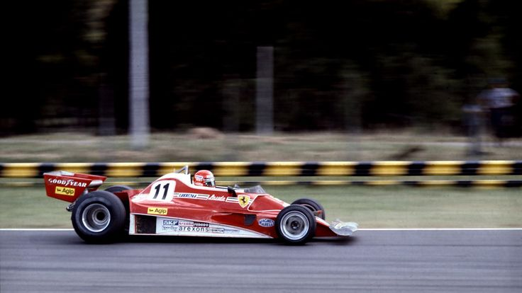 In 1977 Ferrari used the 312 T2 again. The car had already lost in its previous version the air inlets, characteristic of the 312 T.
