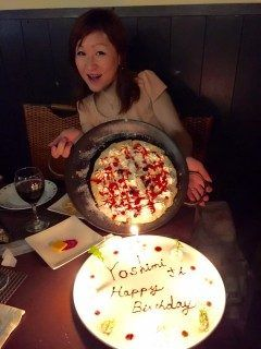薬院にあるイタリアンバジルでお友達の松藤嘉美ちゃんの誕生日をみんなでお祝いしました 少し遅れましたが改めまして お誕生日おめでとう\(o)/ ケーキのpizza美味しかったね () tags[福岡県]
