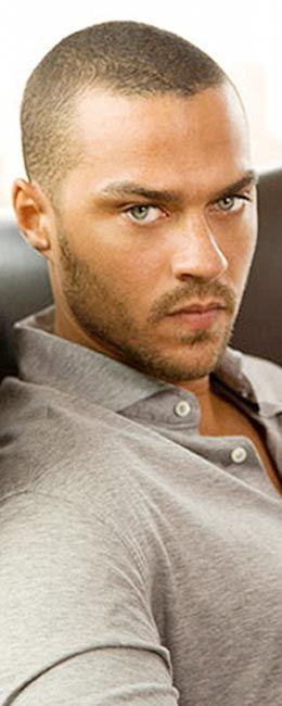 """J. Wesley """"Jesse"""" Williams është aktorë dhe model Amerikan. Fama dhe karriera e tij filloj tek rroli Dr. Jackson Avery në ABC Television në serialin: Grey's Anatomy...  Nga Puhia.com: Puhia.com LifeStyle Portal http://puhia.com/?#ixzz2y26OaQlb Follow us: @Puhia.com on Twitter   Puhiacom on Facebook"""