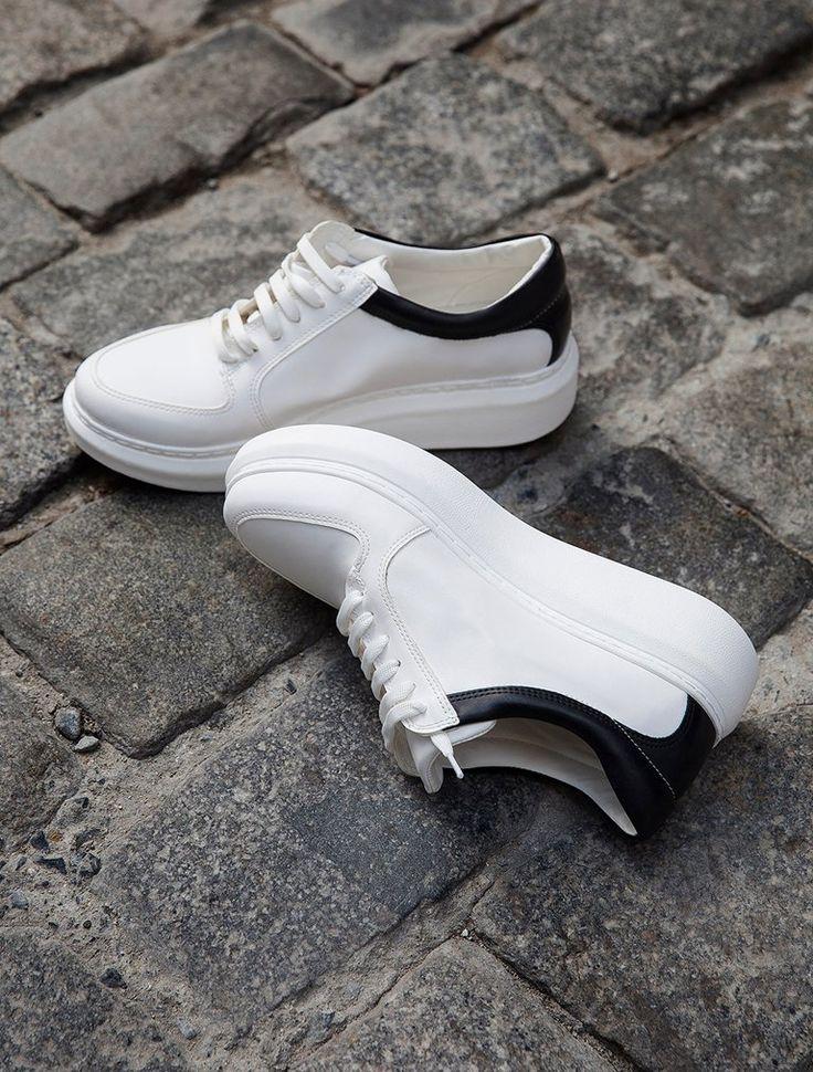 SPOR AYAKKABI Terry Beyaz Siyah Kombin Kalın Taban Spor Ayakkabı