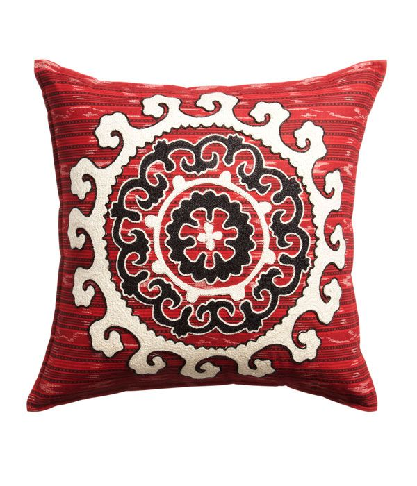 Decorative Pillows For Dorm Rooms : 102 best images about COSMO College on Pinterest Relationship advice, Back to school and ...