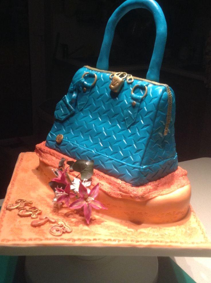 Carved chocolate handbag cake with baleys and chocolate buttercream