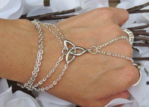 Celtic Infinity Love Knot Hand Chain ♥ L.O.V.E.