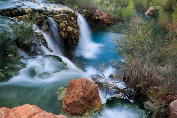 The spectacular Navajo Falls, just after Supai village on the way to Havasu Falls in Arizona (2-day hike)