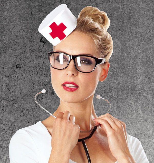 Pillbox statt Pille: Krankenschwester Hütchen nähen