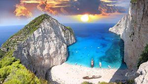 【絶景・名所】紅の豚の世界へ!ギリシャの「ナヴァイオビーチ」が美し過ぎる - NAVER まとめ