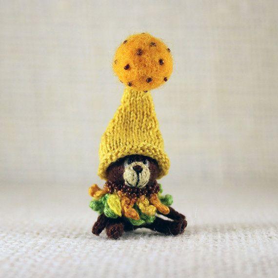 Bear Sunflower knitted miniature by SecretFriends on Etsy
