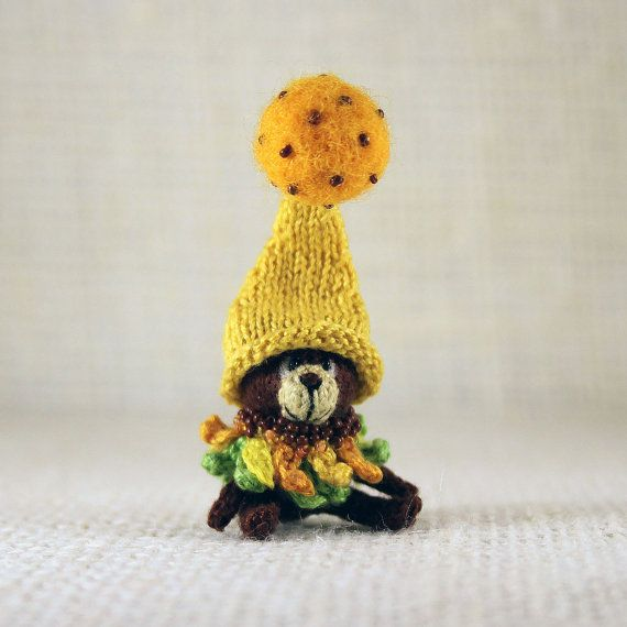 Bear Sunflower knitted miniature by SecretFriends on Etsy