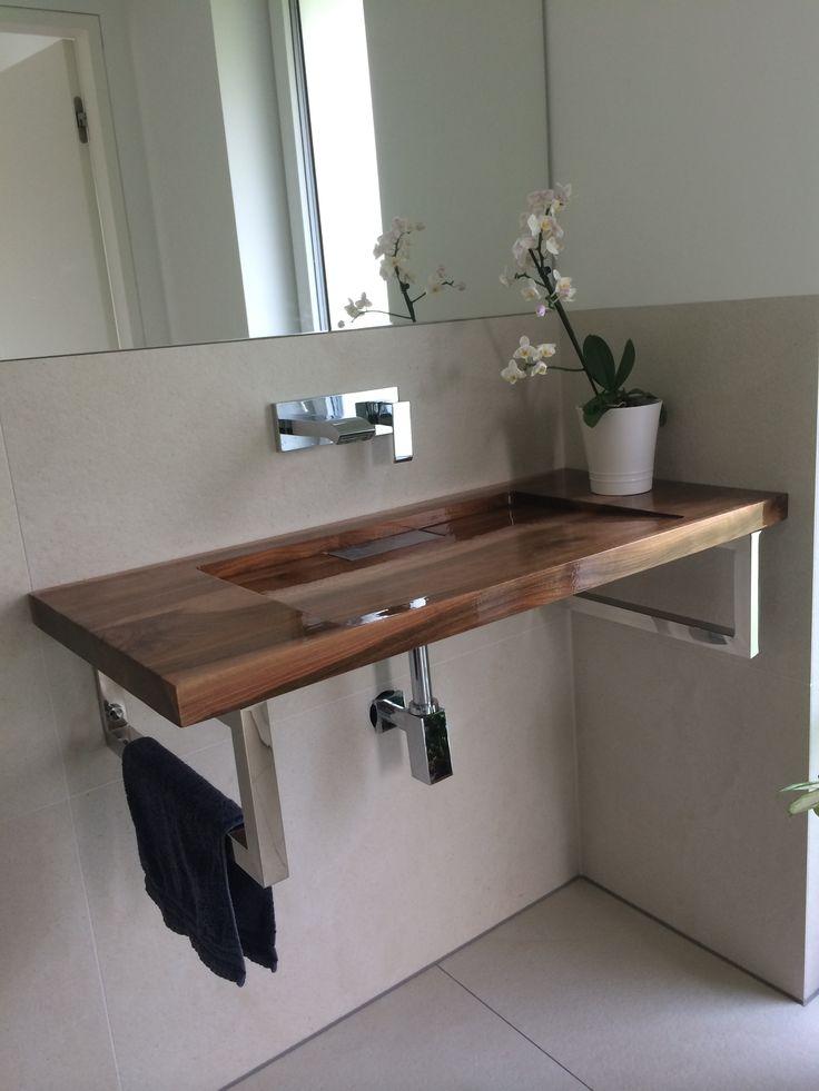 holzwaschtisch aus nussbaum im gste wc - Corian Dusche Osterreich