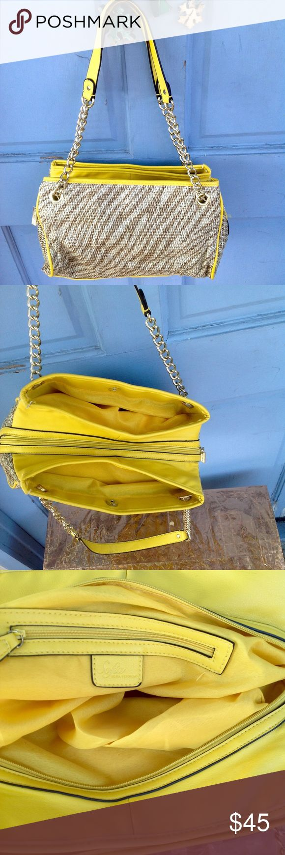 🌼GREAT BRIGHT YELLOW SOFIA VERGARA PURSE🌼 🌼GREAT BRIGHT YELLOW SOFIA VERGARA PURSE🌼 THIS BAG HAS THREE ZIPPER COMPARTMENTS AND MANY POCKETS FOR ALL OF YOUR STUFF!! IT'S REALLY AN AMAZING BAG! Sofia Vergara Bags Shoulder Bags