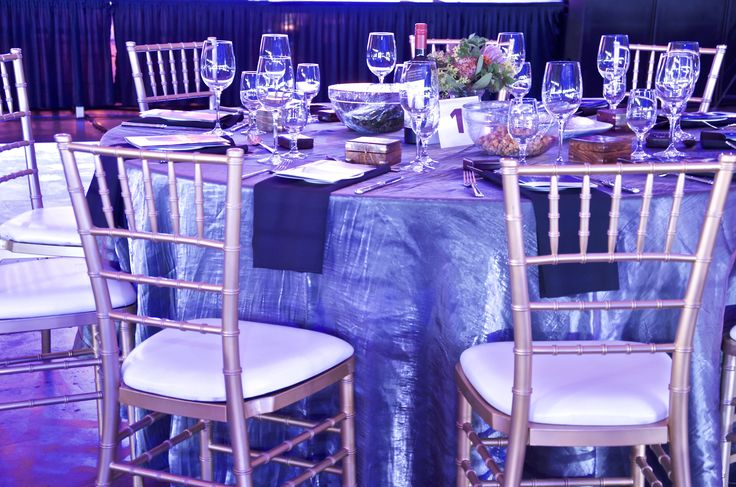 We love how the special guests are seated at a round table which is in the centre of rows of long rectangle tables