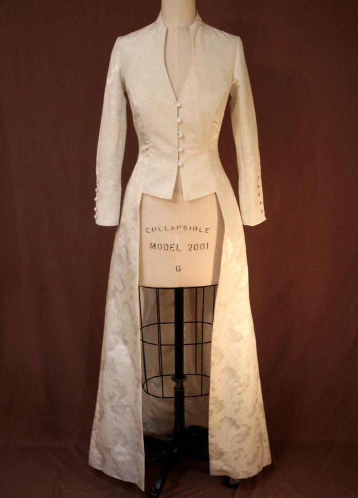 Best 25  Wedding coat ideas on Pinterest   Winter wedding coat ...