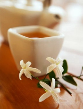 Sipping dried, whole flowers & petals can add so much flavor & aroma!! Discover Free Weekly Tea Tips at http://www.SipandOm.com
